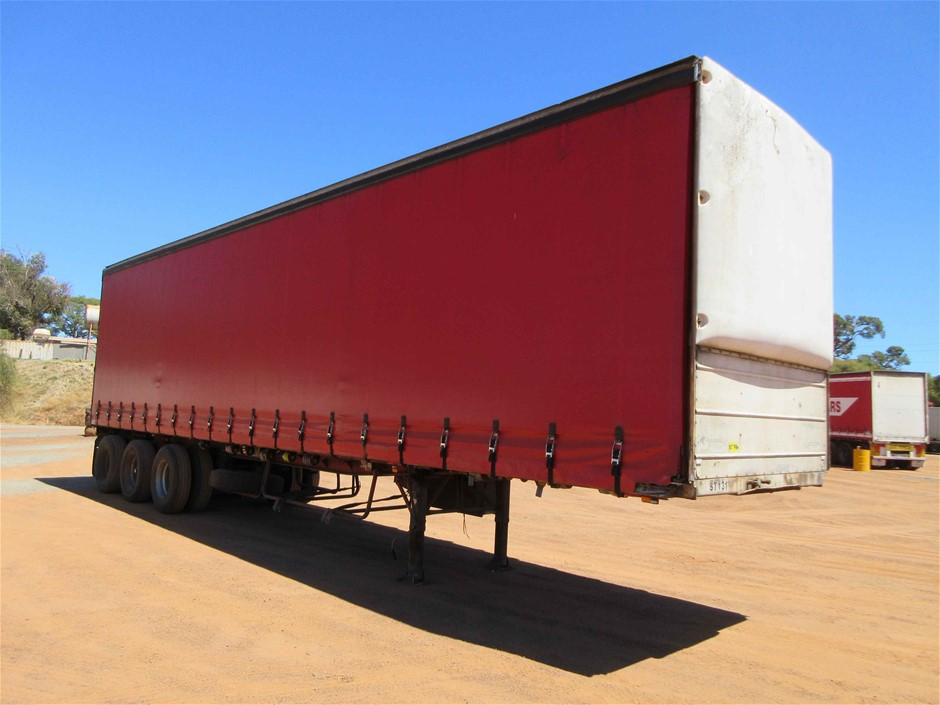 1991 Freighter 42Ft ST3 Triaxle Curtainsider Trailer