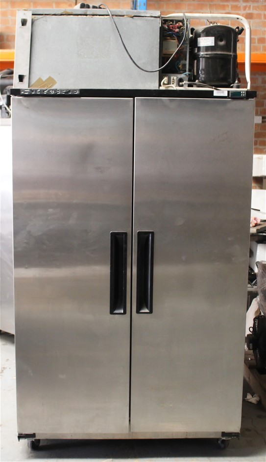 SKOPE UPRIGHT 2 DOOR STAINLESS STEEL FREEZER SELF CONTAINED