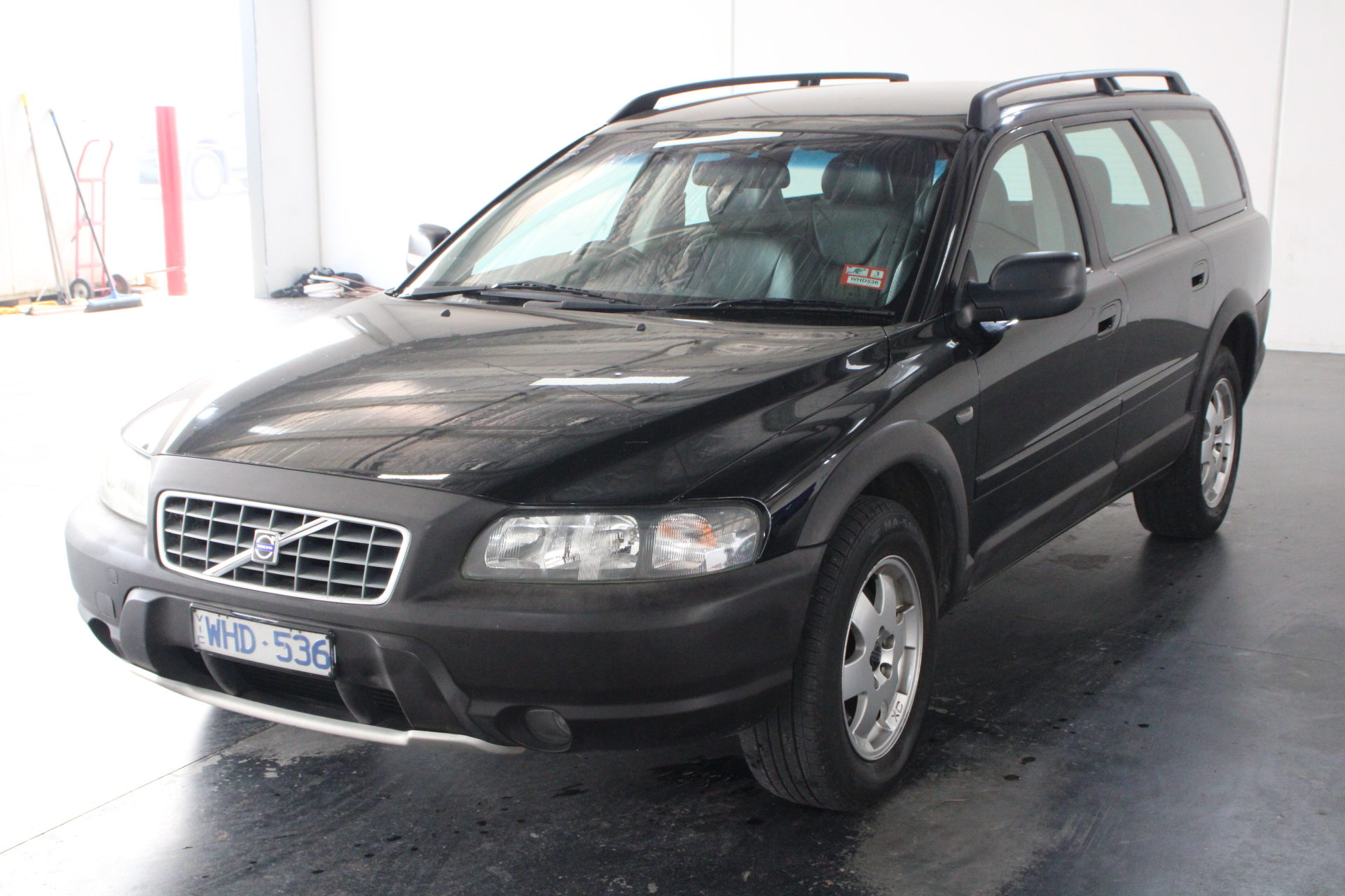 2003 Volvo Cross Country Automatic Wagon