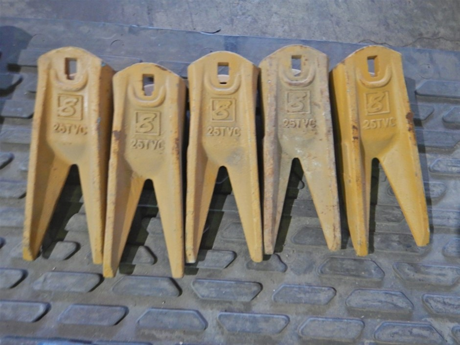 Qty 5 x 25TVC Excavator Bucket Tiger Teeth (Pooraka, SA)