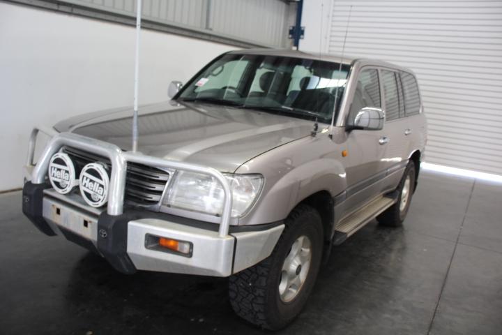 2004 Toyota Landcruiser GXL (4x4) V8 UZJ100R 8 Seat Wagon