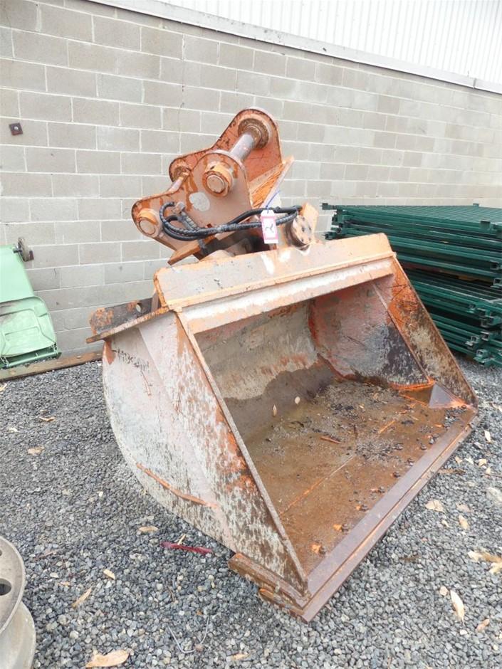 2011 Hogan Engineering ZX-225 Tilt Bucket