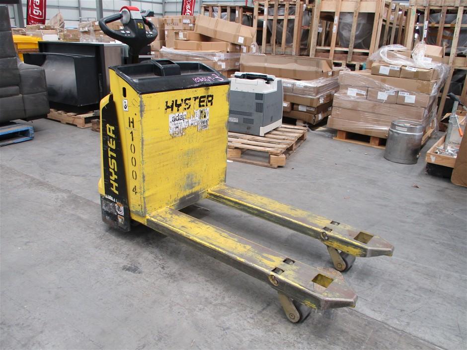 2013 Hyster P2.0 Pallet Truck