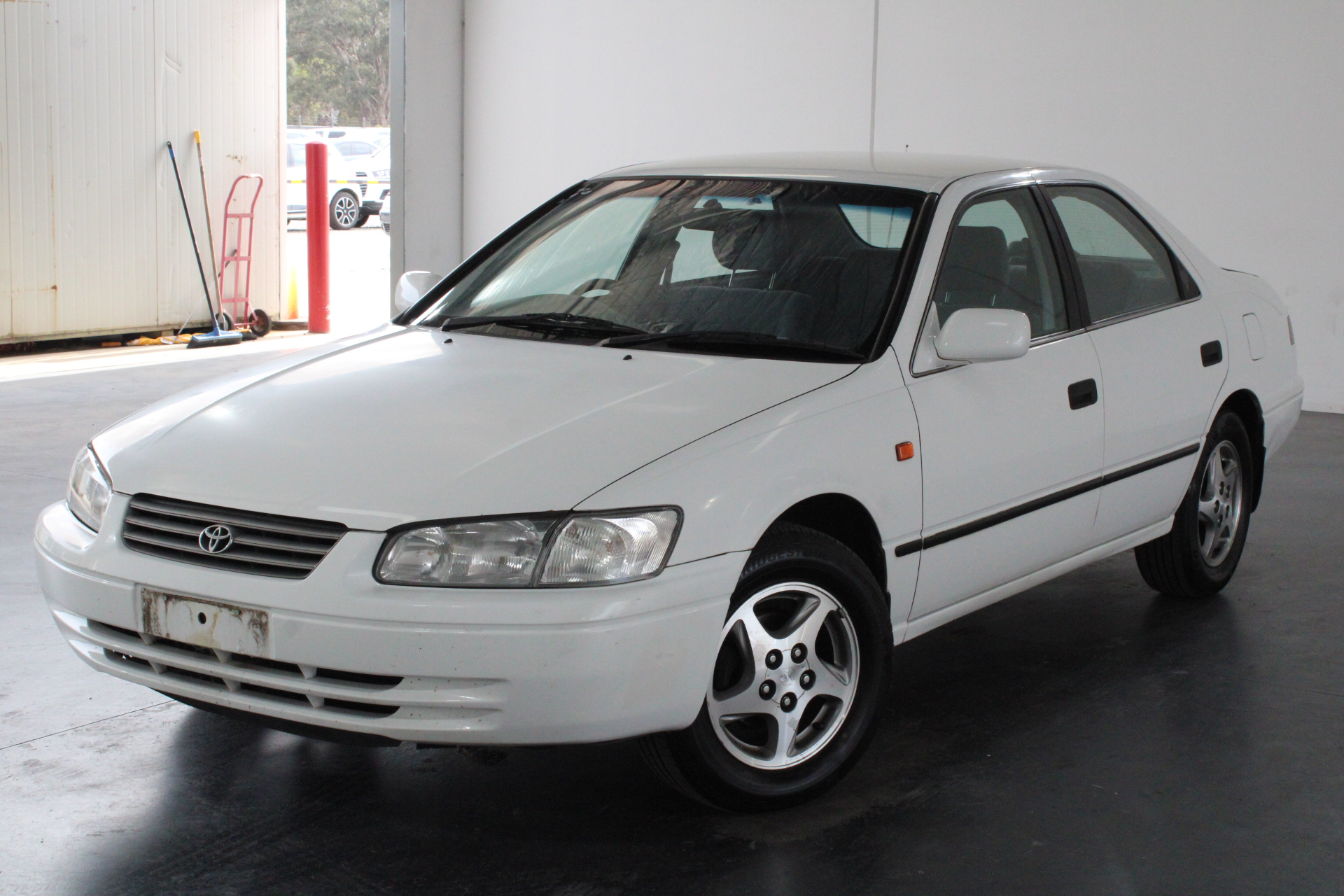 2000 Toyota Camry Conquest SXV20R Automatic Sedan