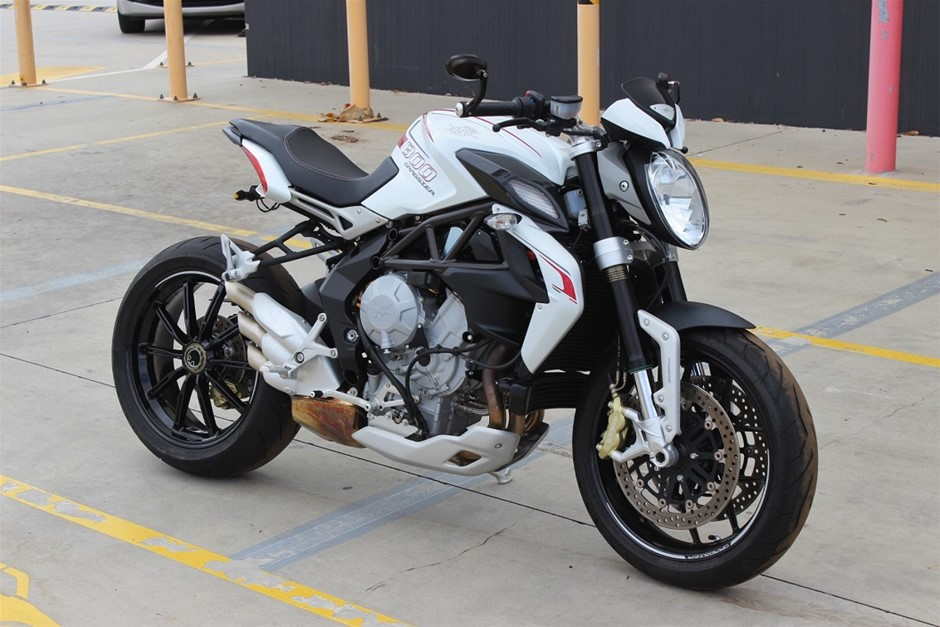 2014 MV Agusta Brutale 800 Dragster RWD Manual - 6 Speed 2 seater 4263 km