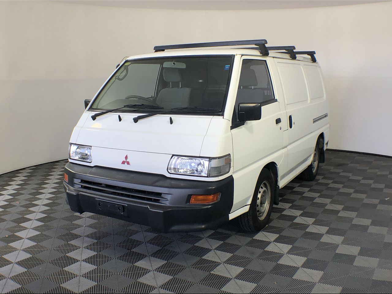 2008 Mitsubishi Express SWB SJ Manual Van