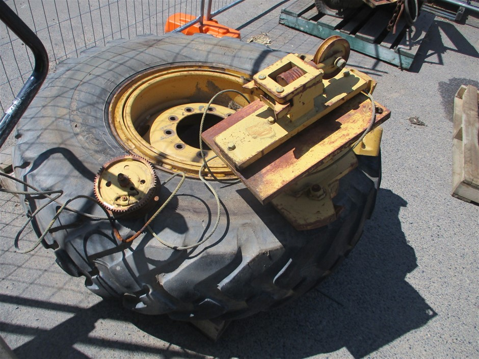 Assorted Cat H-Series Grader Parts