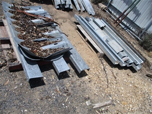 Quantity of Assorted Armco Barrier Parts