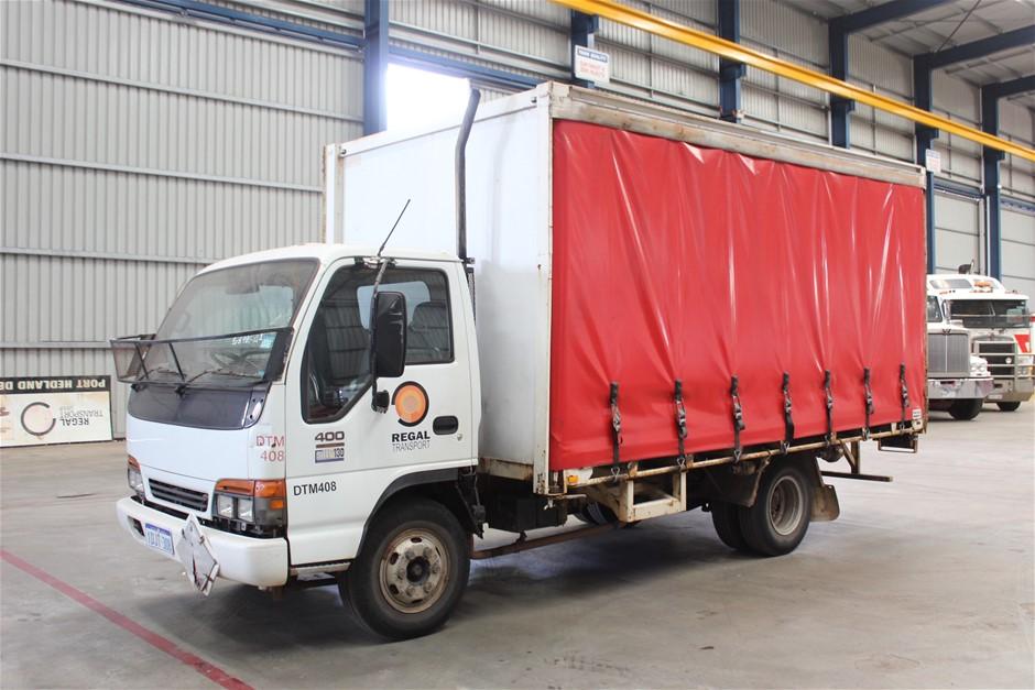 2001 Isuzu NPR400 4 x 2 Tautliner Truck