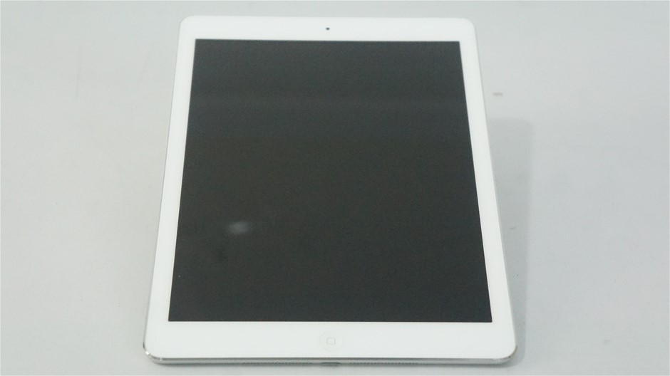 Apple iPad Air Wi-Fi 32GB Silver Tablet