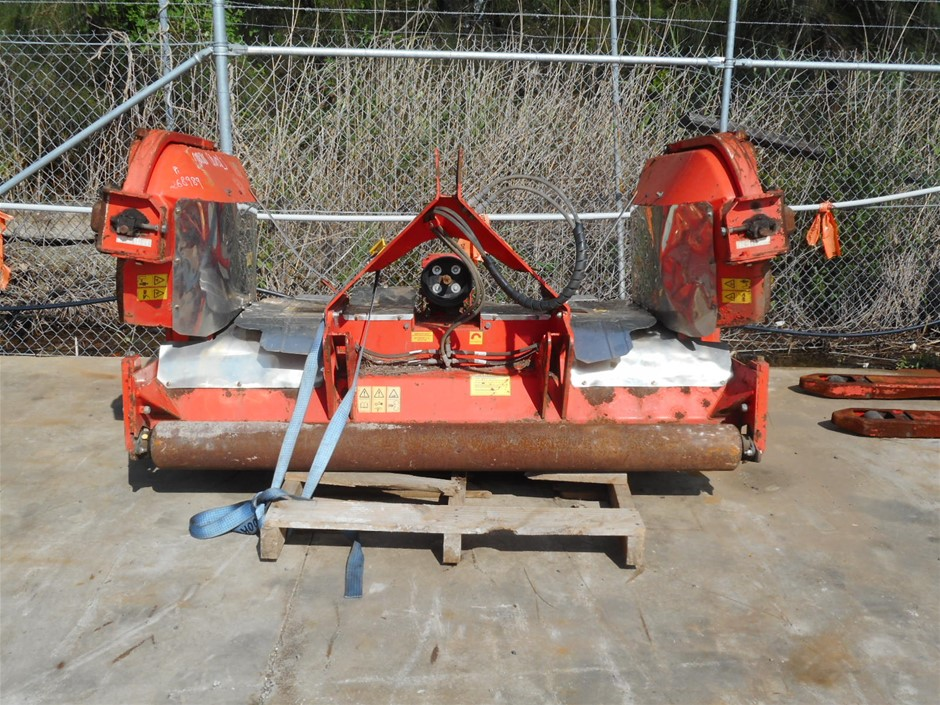 Howard Trimax S2 340 Winged Mower Attachment