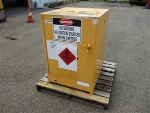 160 Litre Hazzards Chemical Storage Cabi