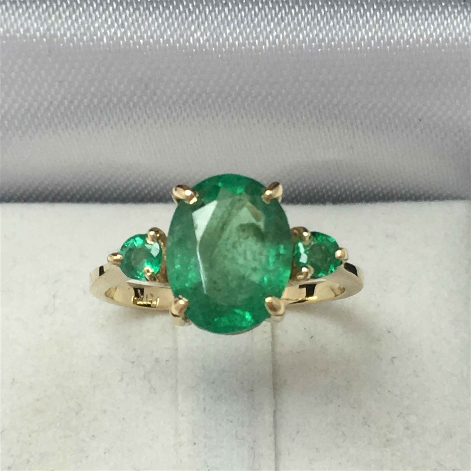 18ct Yellow Gold, 2.88ct Emerald Ring