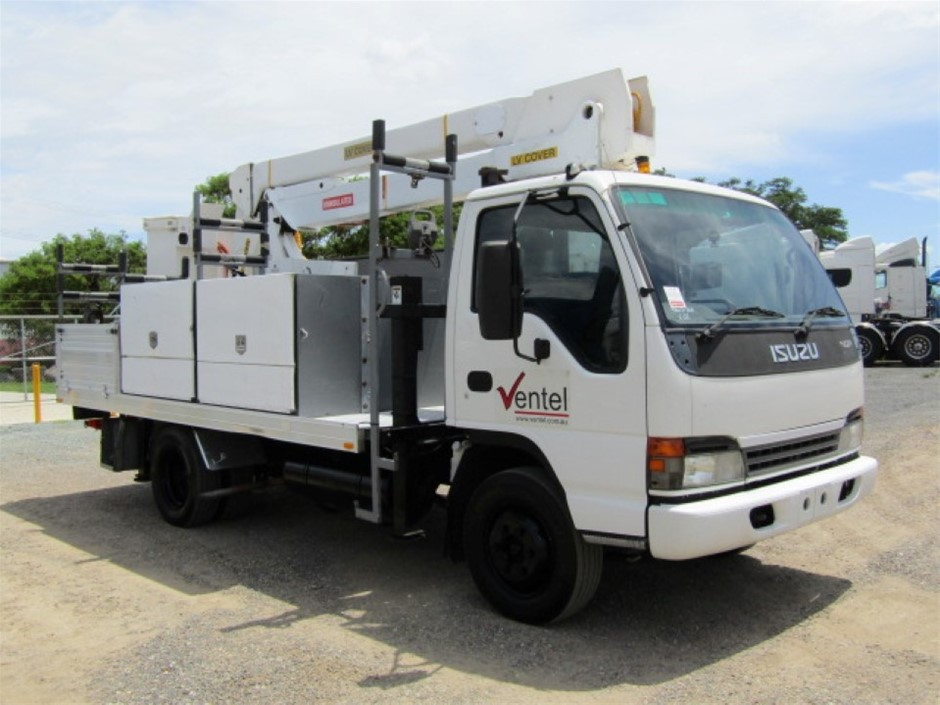 2005 Isuzu NQR450 EWP Cherry Picker Truck
