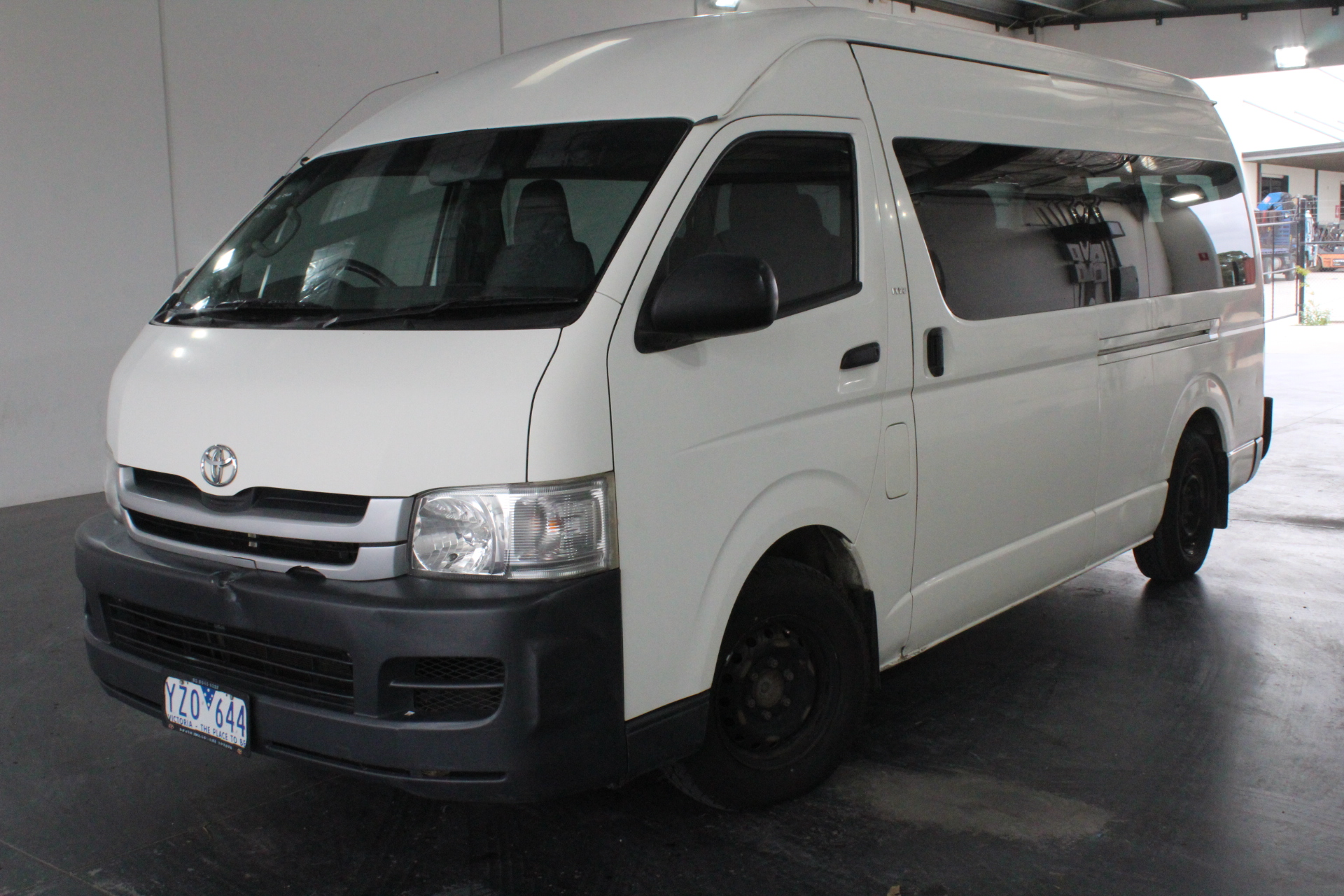 2008 Toyota Hiace Commuter TRH223R Automatic 12 Seats Bus