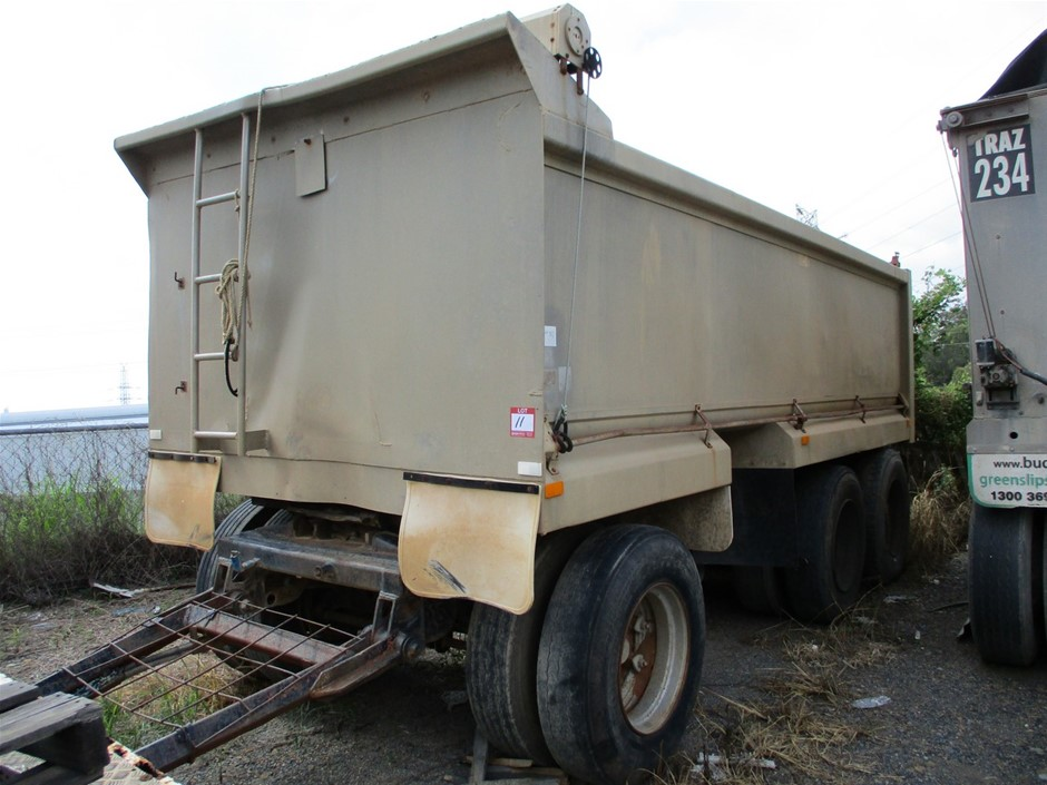 1976 Sheppard Triaxle Dog Trailer