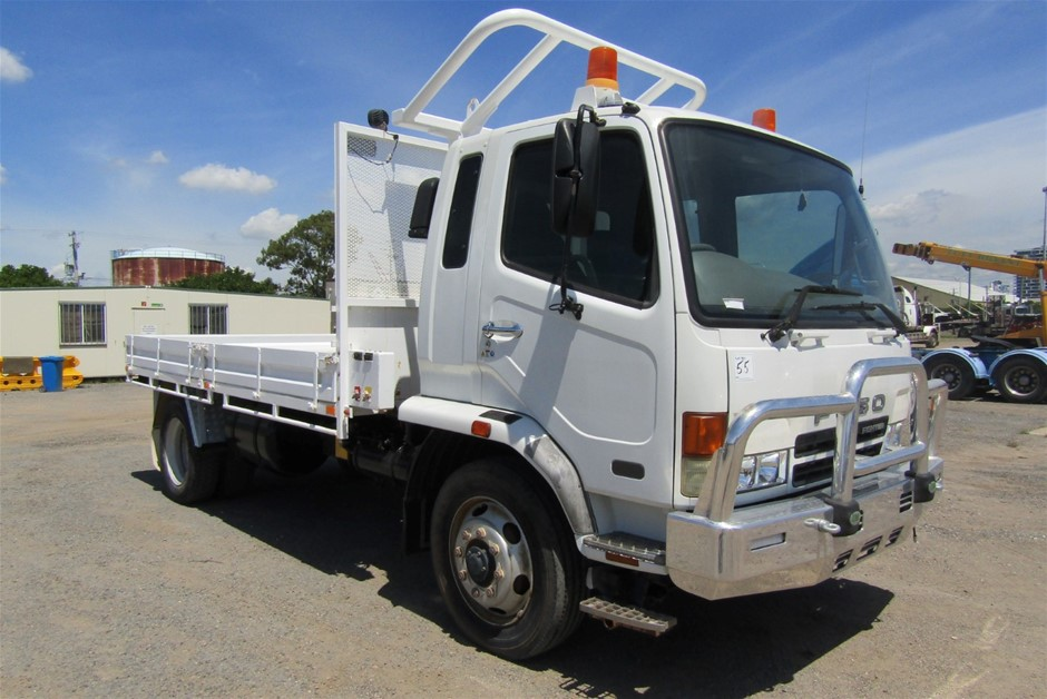 2006 Mitsubishi Fuso FK600 4 x 2 Tray Body Truck