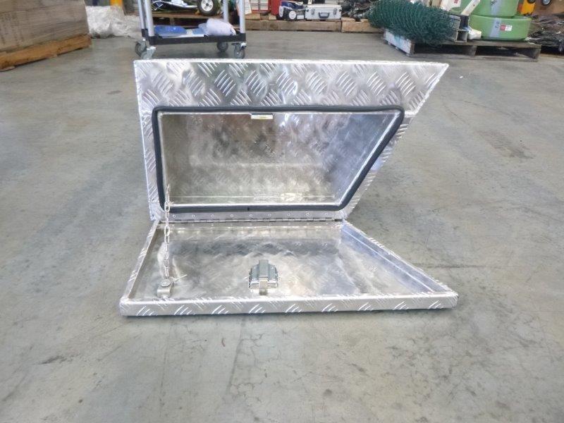 Under Tray Body Aluminium Checkered Plate Toolbox (Bid Price Per Toolbox)