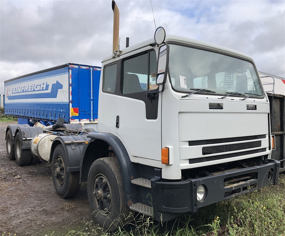 2001 International Acco 8 x 4 Cab Chassis Truck