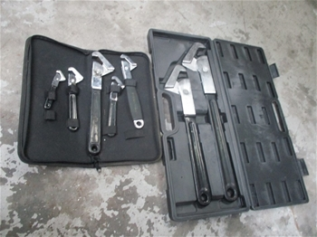 Qty 7 x Universal Wrenches