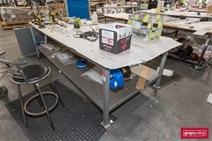 1 x Mobile Work Bench, with Aluminium Un