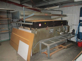 MK3 Vac Former with Oven Heater