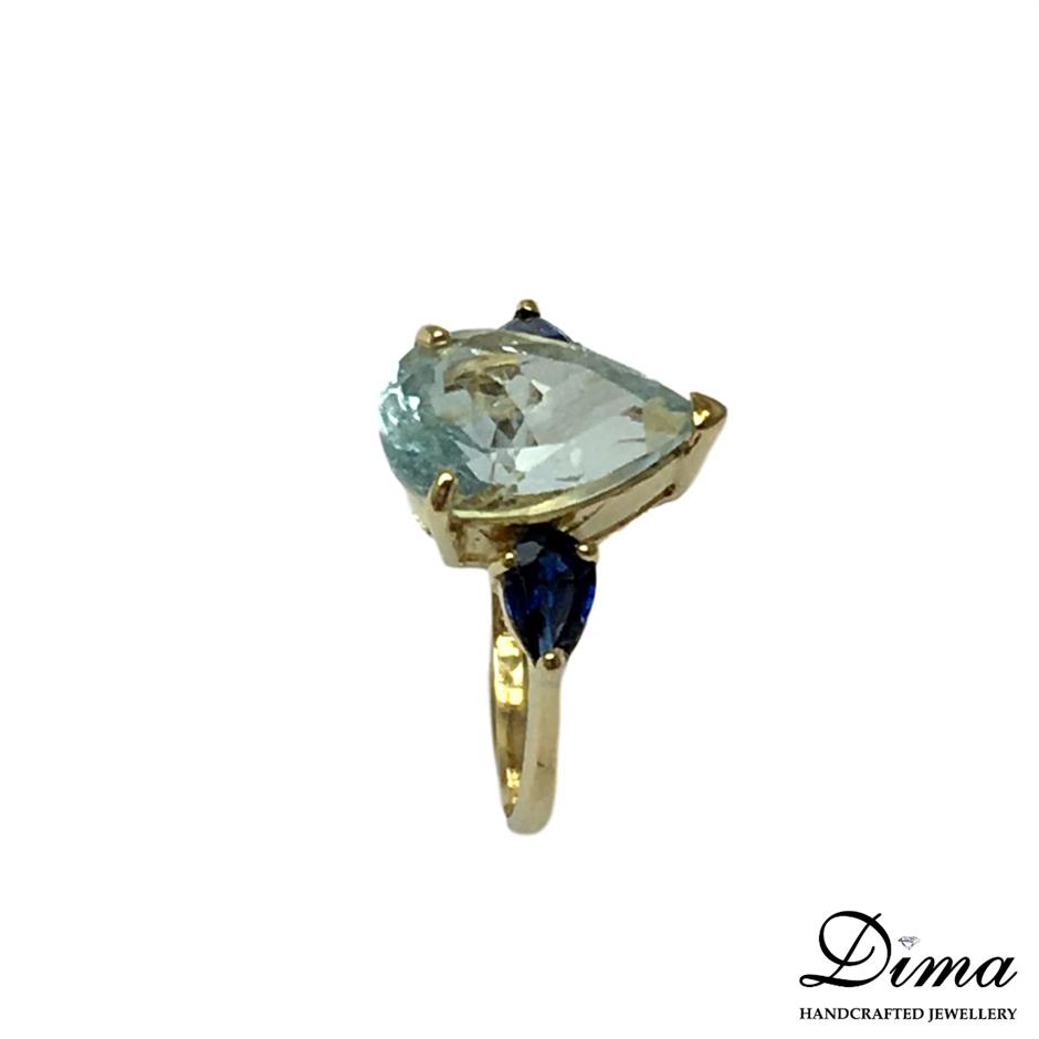 18ct Yellow Gold, 4.26ct Aquamarine and Diamond Ring
