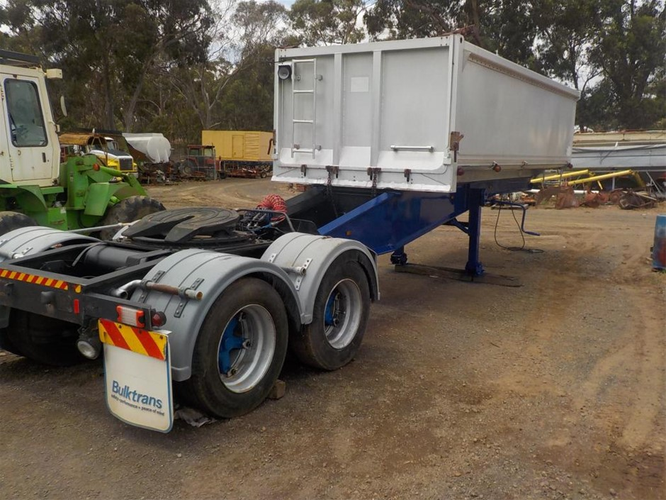 A TRAILER: 1992 HBT Chassis Tipper