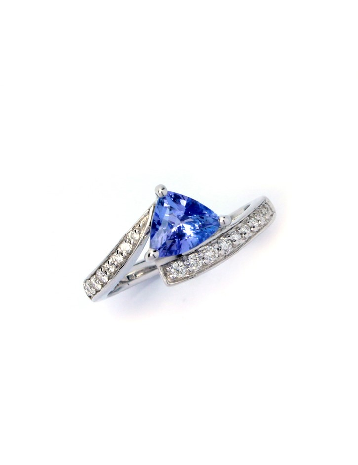 Magnificent 18kt Tanzanite & Diamond Engagement Ring