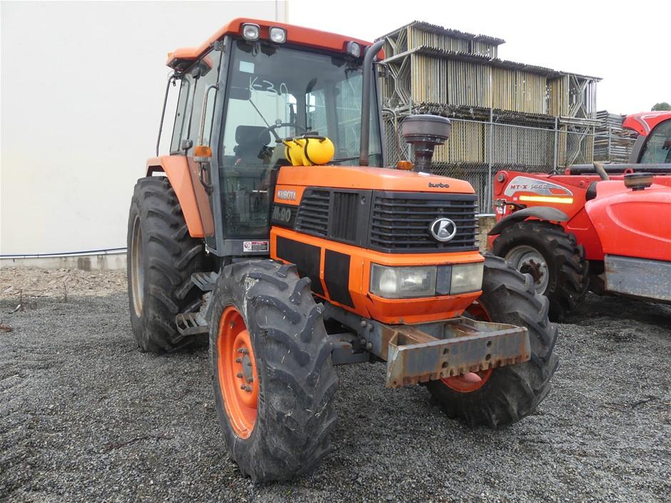 Kubota M90 Enclosed A/C Cab 4 x 4 Tractor