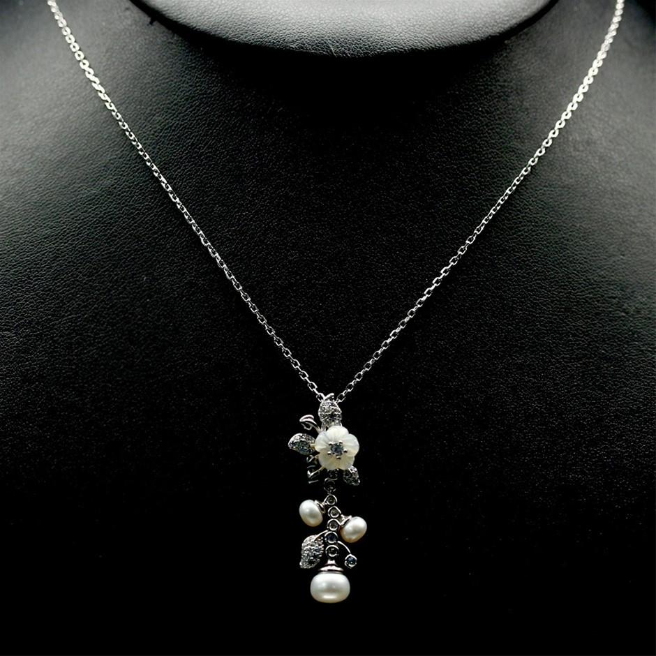 Beautiful Genuine Pearl Pendant Necklace