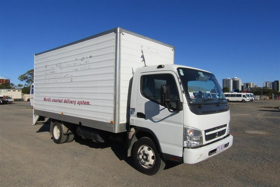 2010 Mitsubishi Canter Pantech Truck