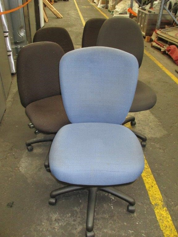 Qty 5 x Office Gas Lift Chairs