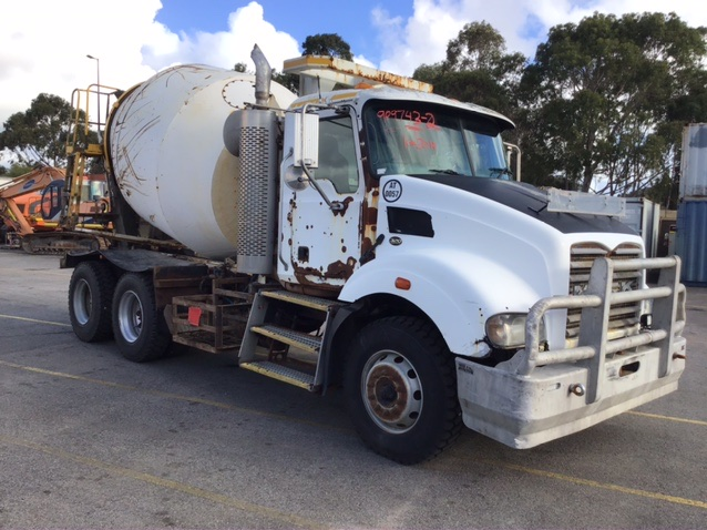 2015 Mack 6X4 Concrete Agitator Truck Automatic 40,779kms