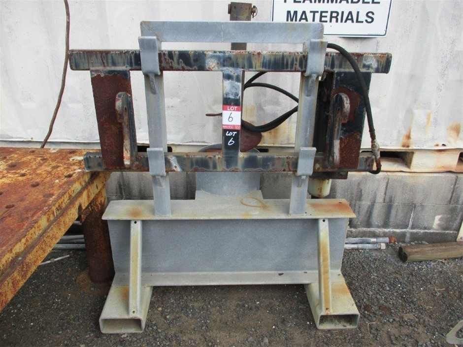 Quantity 1x Auger Mount Frame and Stand