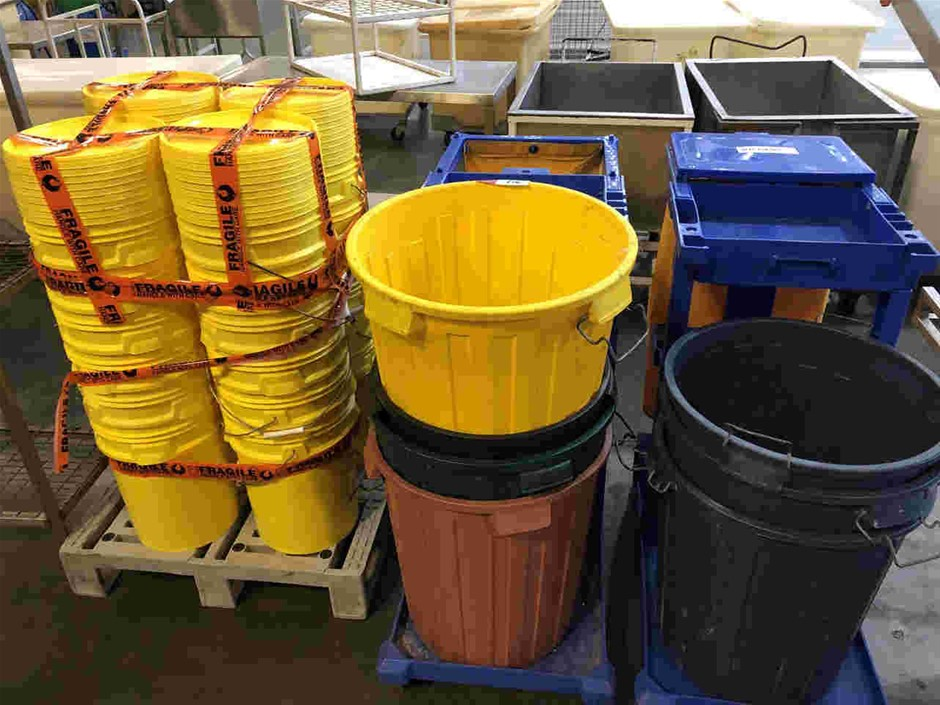 Qty of Buckets & Trolleys