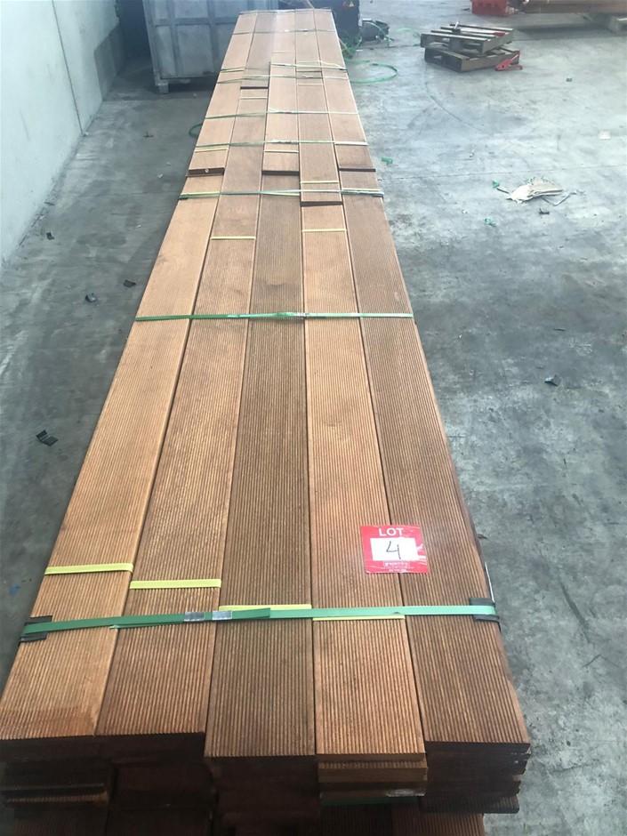 140 x 19 Merbau decking, random 1.8-3.9.