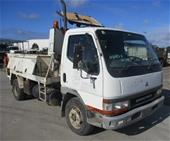 Unreserved 2000 Mitsubishi Canter 4 x 2 Asphalt Truck