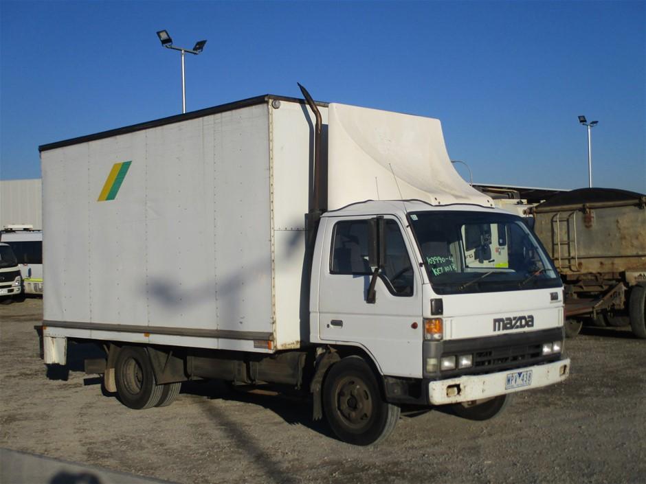 1998 Mazda T4000 4 x 2 Pantech Truck