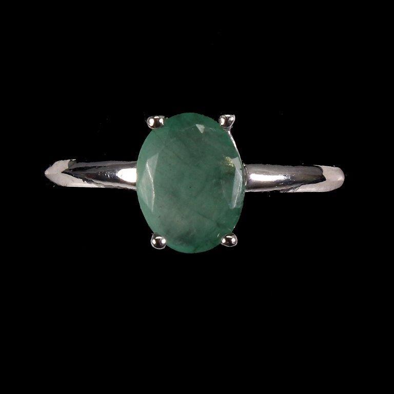Stunning Genuine Emerald Solitaire Ring.