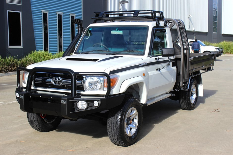 2009 Toyota Landcruiser V8 Turbo Diesel 4WD Manual Cab Chassis