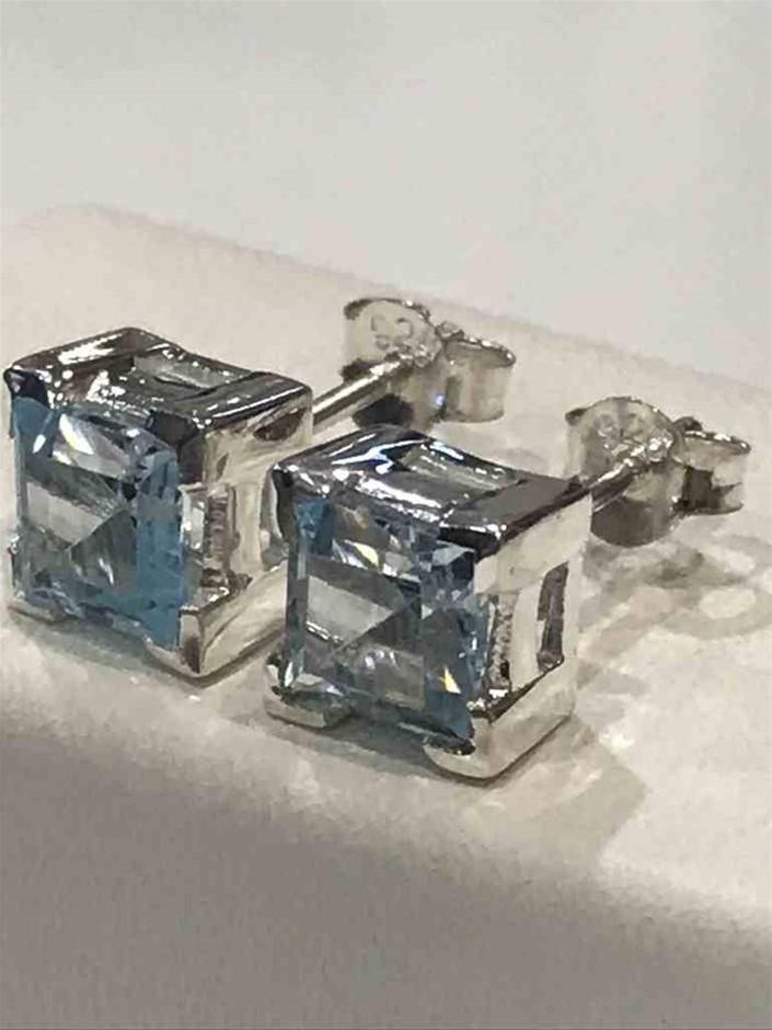 Stunning Genuine Blue Topaz 4.00ct Stud Earrings