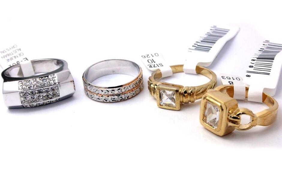 Set of 4 ladies fashion rings