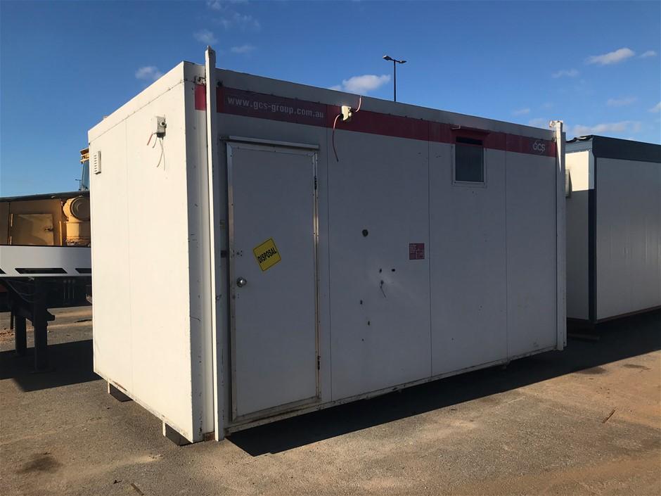4.8m x 3.0m Transportable Toilet Block