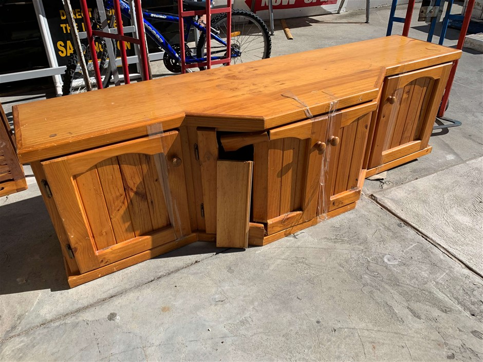 TV Unit, Load On, Solid Pine, Approx.(mm) 1860 L x 530 D x 550 H, Damaged a
