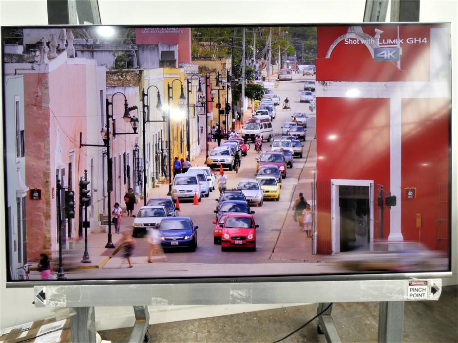 "HISENSE - 50"" R7 4K UHD Smart ULED TV"