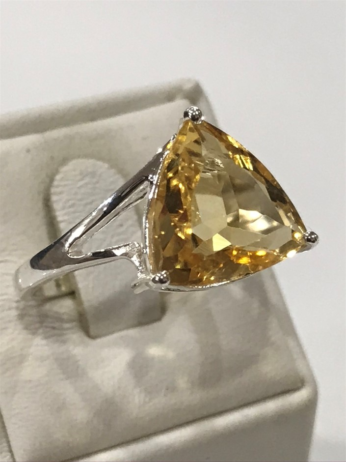 Stunning Huge 10.00ct Citrine Ring. Size R 1/2 (9)