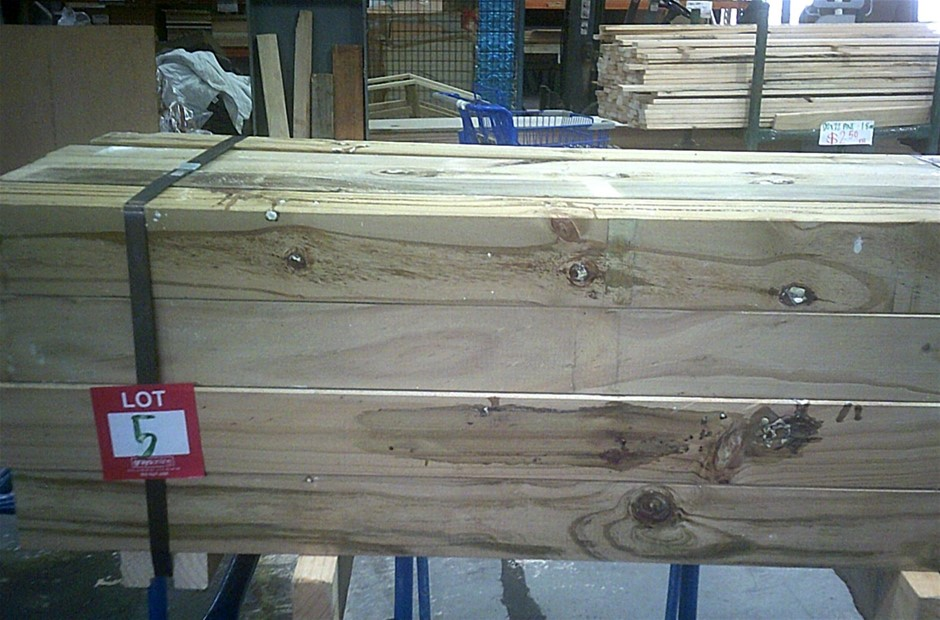 Pack of 20 units of 90mm x 90mm H4 Treated Posts. 1.2 metres long.