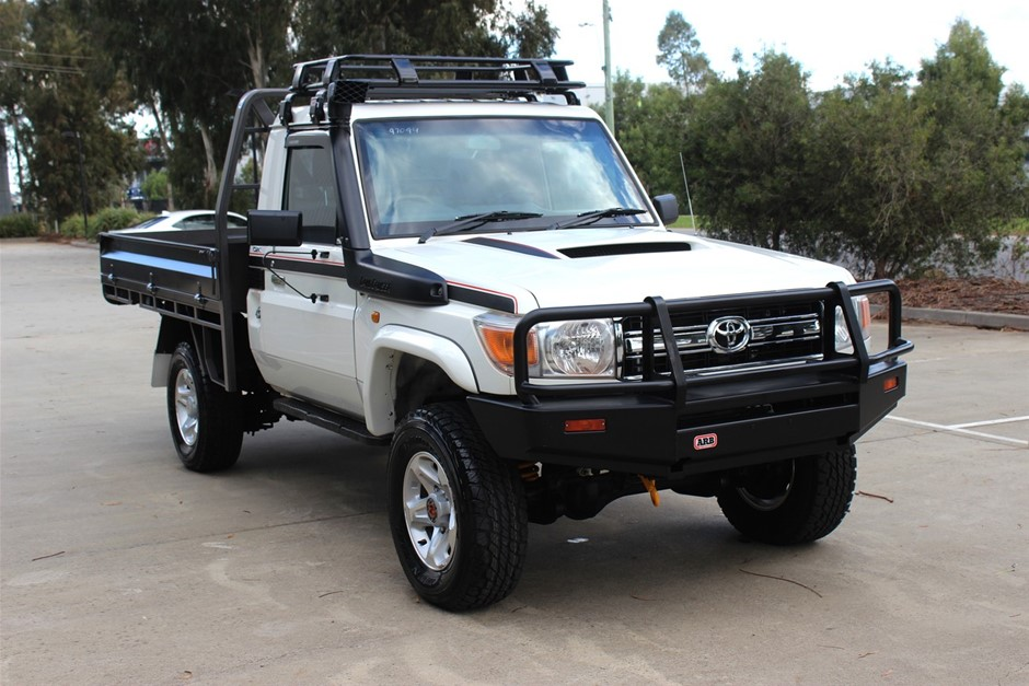 2012 Toyota Landcruiser V8 Turbo Diesel 4WD Manual Cab Chassis