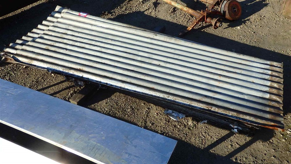 Approx. 18 x Sheets Of Corrugated Iron